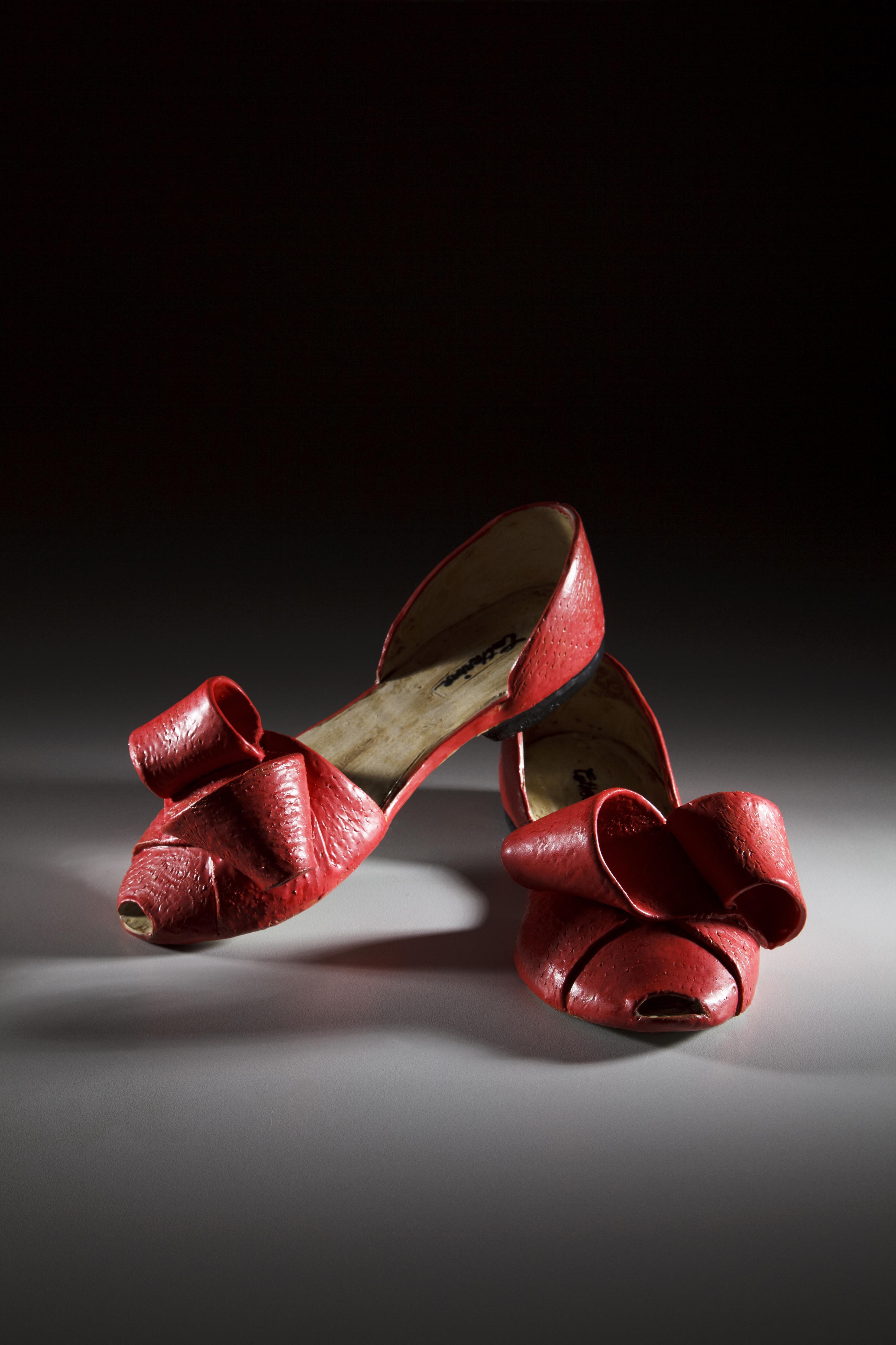 紅色花結平底鞋