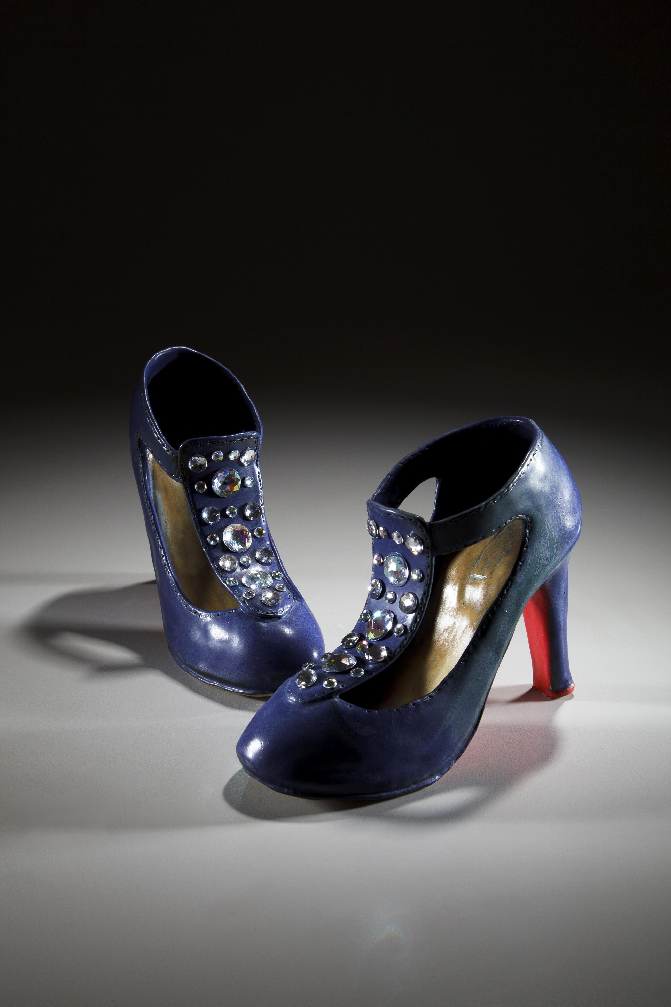 藍色珠面高跟鞋